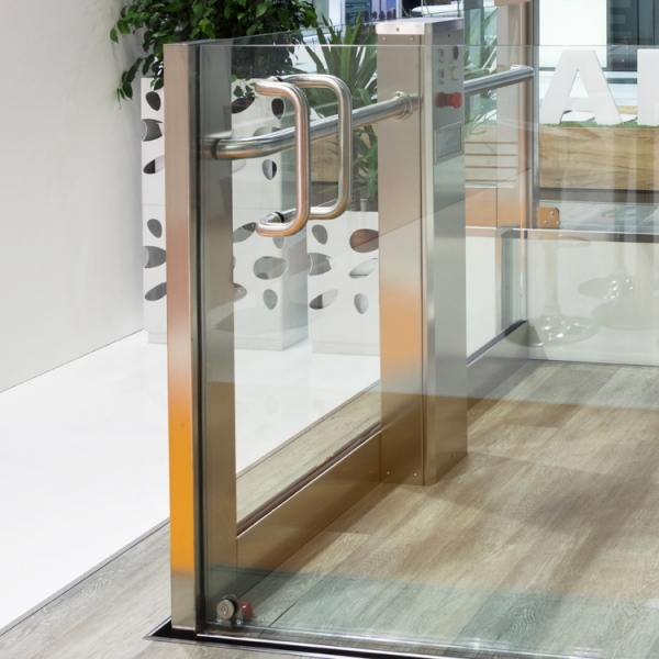 Platform Lift without wall fixings